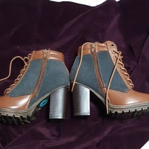 Bamboo brand Tan and Grey Boots